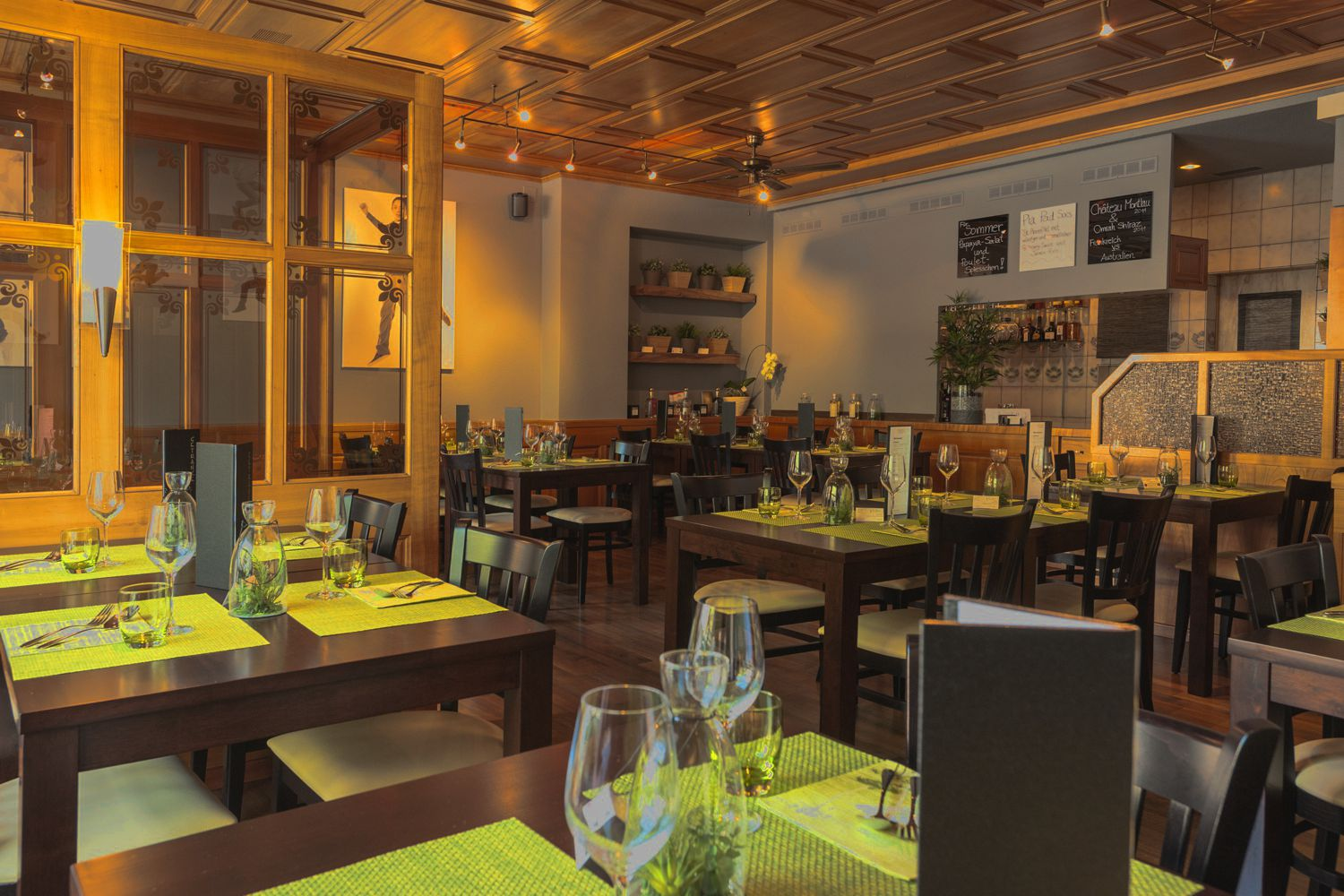 Vees Bistro - Our Restaurant